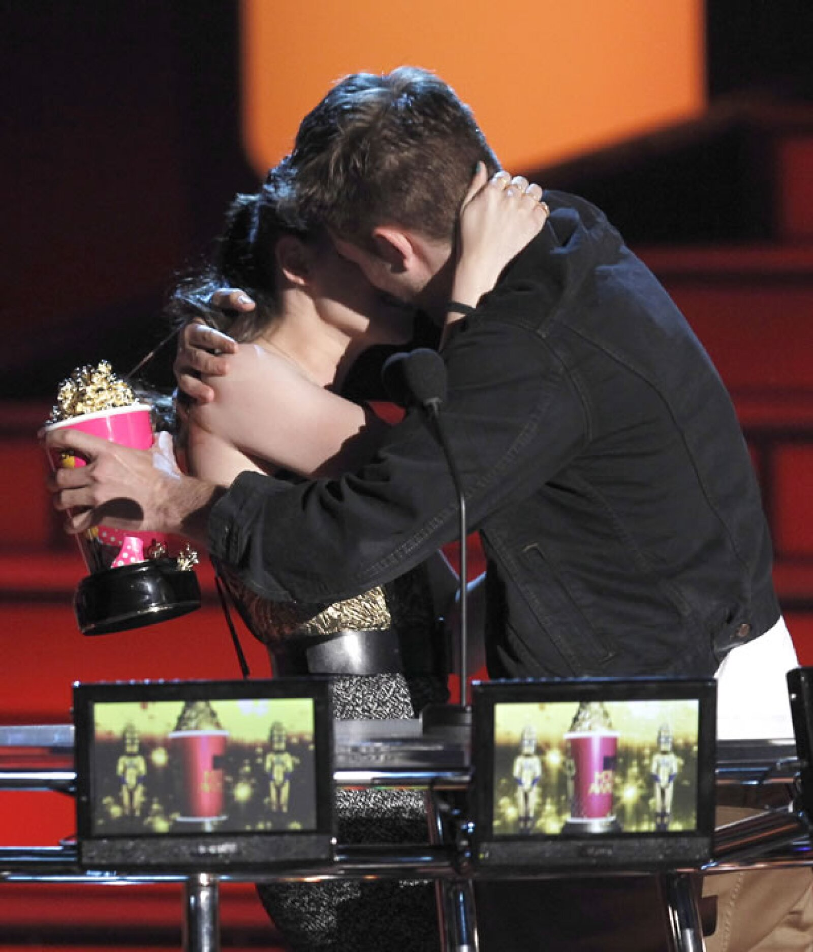 En 2012 la pareja dejó de ser tímida y comenzaron a tener muestras de afecto en público.