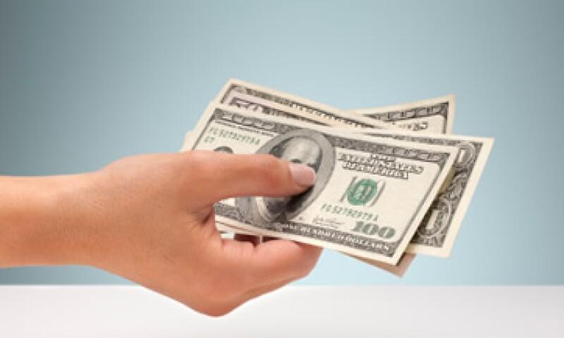 El tipo de cambio podría ubicarse entre 12.99 y 13.08 pesos por dólar, según Banco Base. (Foto: Getty Images)