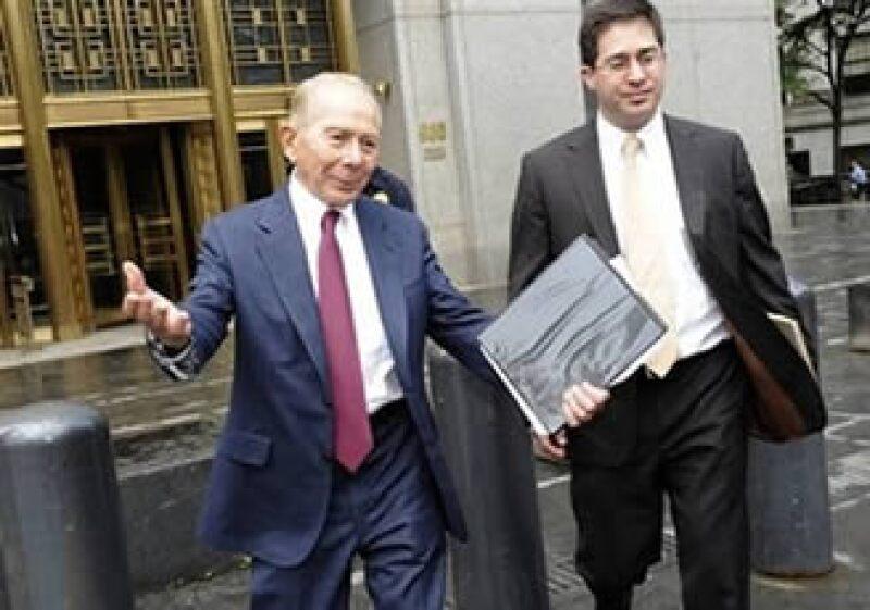 Mark Greenberg es acusado por AIG de mentir acerca de las funciones de un fideicomiso de Starr International. (Foto: AP)