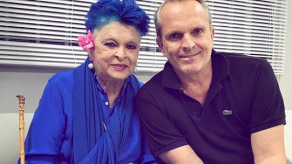 Miguel Bosé con su mamá.