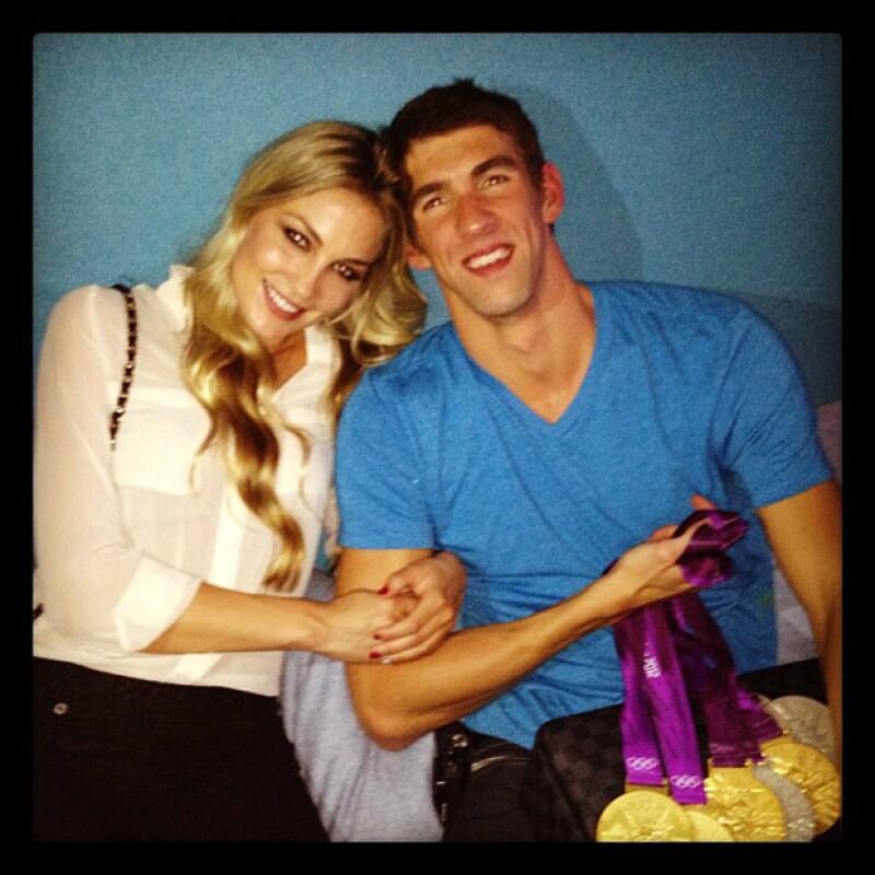 El multimedallista olímpico y su novia sostenían un romance desde hace tiempo, pues se mandaban mensajes románticos en la red social.