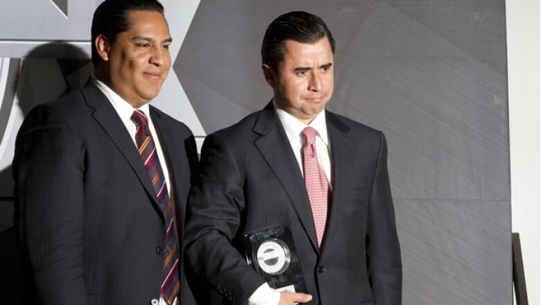 Sergio Porragas aceptó el premio de OCCMundial, portal que brinda opciones educativas a la medida y que ganó en la categoría 'Educación'.