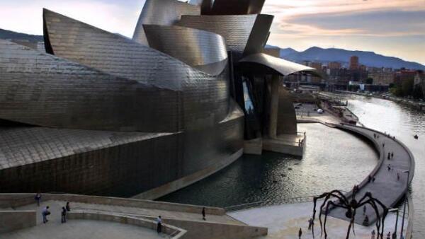 Museo Guggenheim de Bilbao. Pa�s Vasco, norte. Espa�a