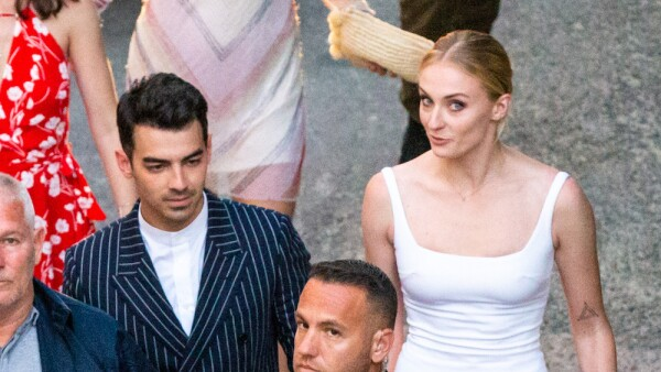 EXC Joe Jonas, Sophie Turner
