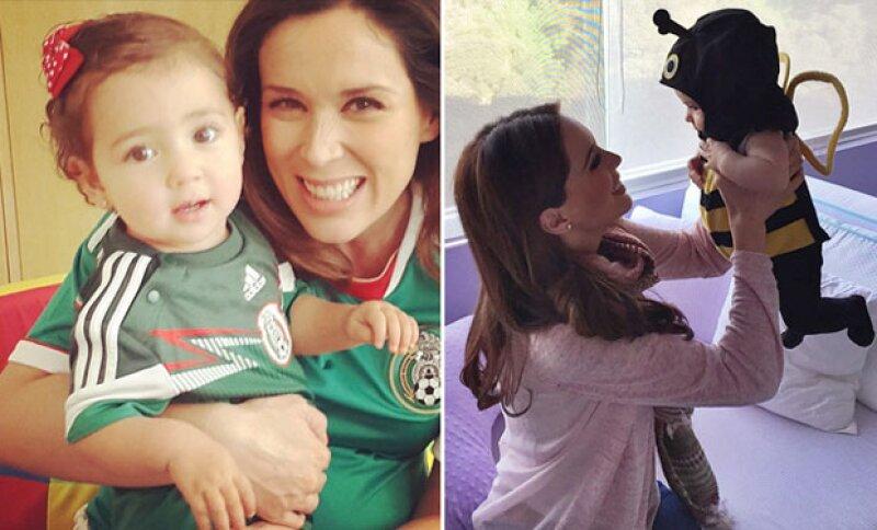 Desde siempre Jacky ha mostrado un profundo amor por sus hijas.