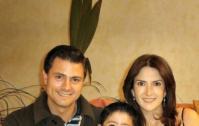 Maritza sostuvo un romance con el candidato del PRI por nueve años y hoy subió una foto de él con su hijo en su cuenta de la red social.