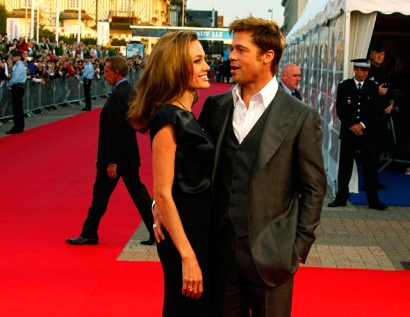 De acuerdo con el diario Daily Mail, la casa de la pareja está afinando los últimos detalles del tan esperado enlace.