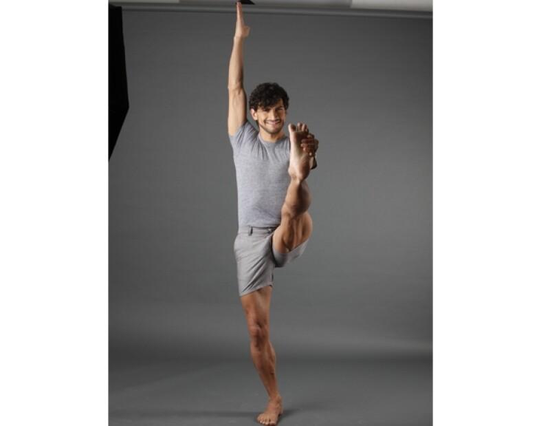 Algunos de sus profesores fueron Ana Desvignes de Ashtanga Yoga y Baptiest Marceau y Larry Shultz.