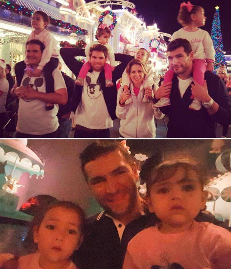 """La guapa tapatía se trasladó hasta Disney con sus hermanos y SU suegra para disfrutar de un """"mini trip"""" y comenzar las festividades decembrinas."""