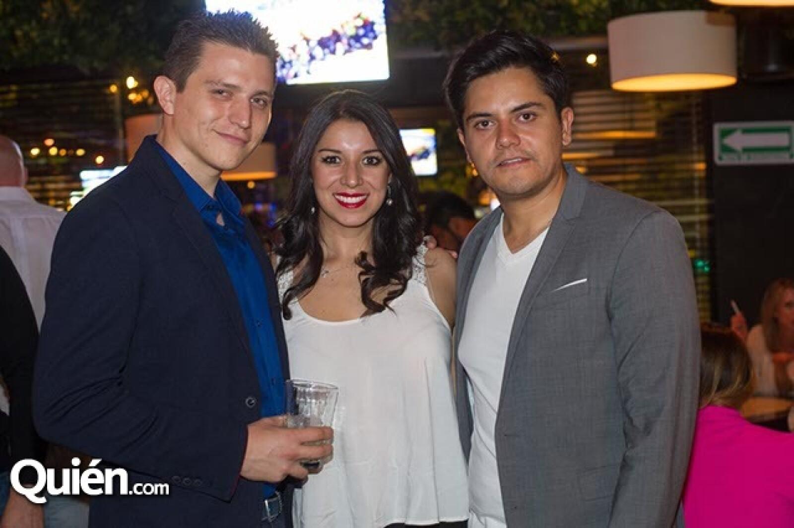 José Juan Rivera,Brenda Jiménez y Roberto Valladolid