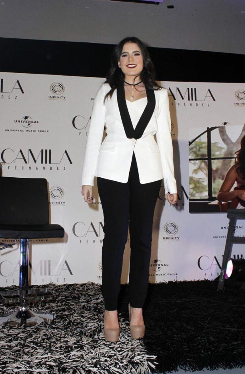 Dispuesta a seguir los exitosos pasos de su padre y su abuelo, y en el mismo día de su cumpleaños número 18, Camila anunció el lanzamiento de su carrera artística.