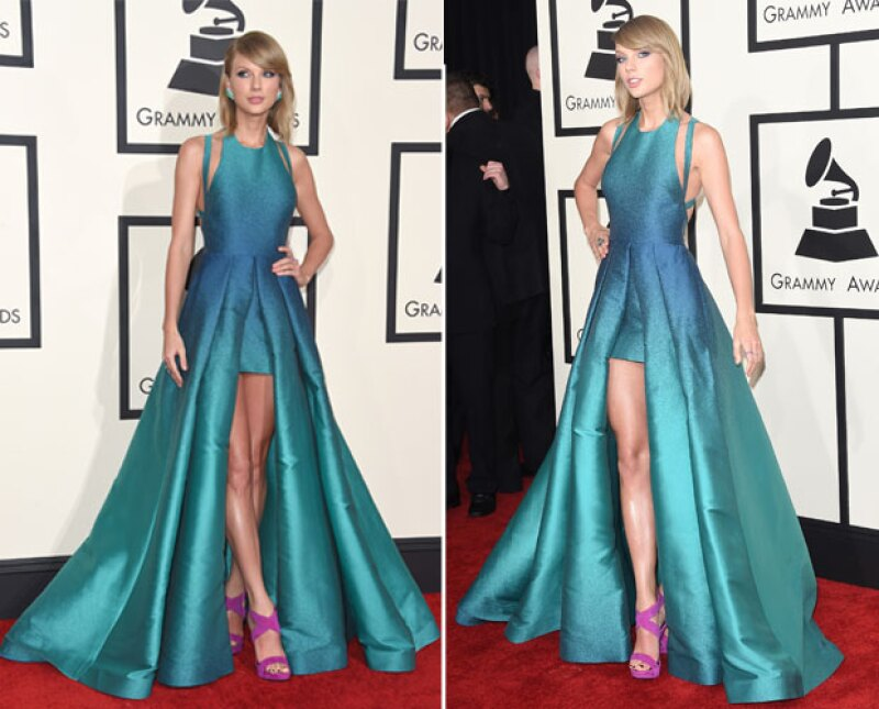 La cantante no pierde oportunidad en mostrarlas, ni siquiera en vestido de noche.
