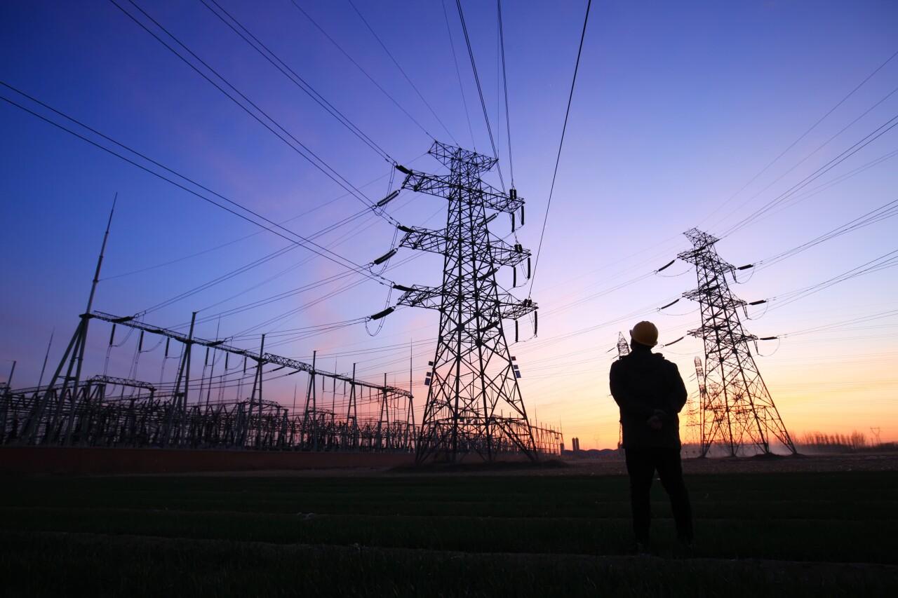 ¿Cambiar la Constitución para el mercado eléctrico?
