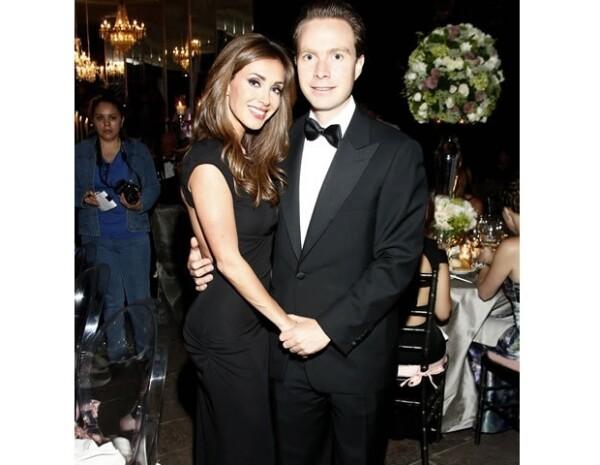 La cantante y el político se comprometieron tras dos años de noviazgo.