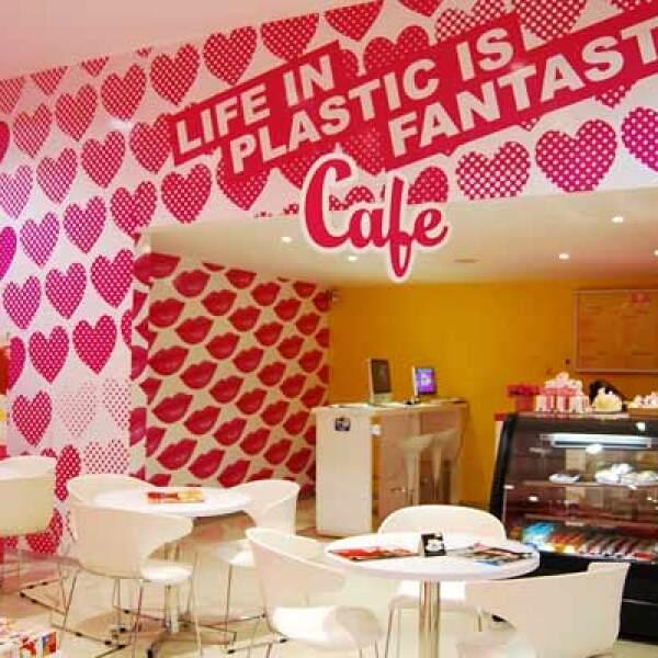 Como servicio adicional, esta tienda ofrece celebrar su cumpleaños en tres paquetes: rockera, fashionista y princesa, cada uno con estilos, actividades y características diferentes.