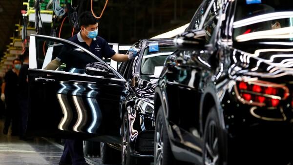 Durante el primer trimestre el segmento automotriz de Vitro se vio afectado por las acciones tomadas por todos los fabricantes de Equipo Original en Europa, Estados Unidos y México, a partir de marzo, para cerrar plantas debido a COVID-19.
