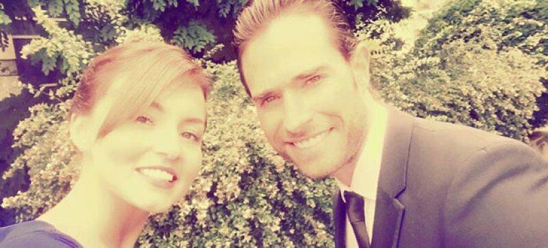 Después de haber viajado a España, Angelique y Sebastián se trasladaron al país natal de la actriz para celebrar en familia la boda de su hermano Arnaud.