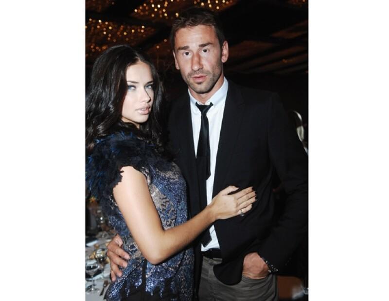 Mediante un comunicado de prensa, la modelo y su ex pareja Marko Jaric, anunciaron que se separan. Ambos tienen dos hijas: Valentina y Sienna.