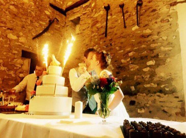 Una bella y sencilla boda, así fue como Sebastián y Angelique dejaron ver la boda de Arnaud y Claire.