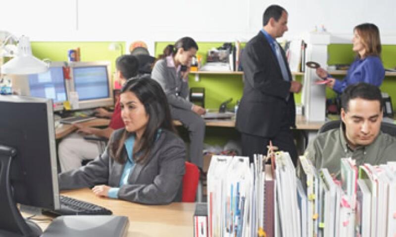 La Asociación Mexicana en Dirección de Recursos Humanos aseguró que el Gobierno extendió el programa de primer empleo hasta septiembre de 2012. (Foto: Thinkstock)