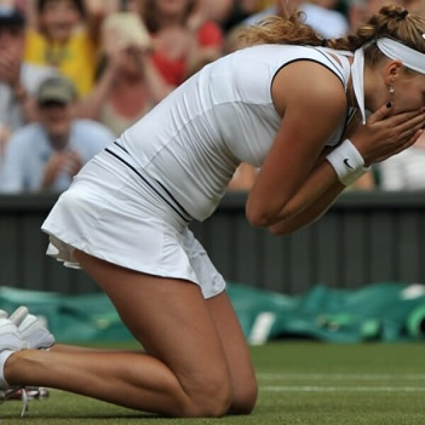 Petra Kvitova celebra que le ganó a Sharapova