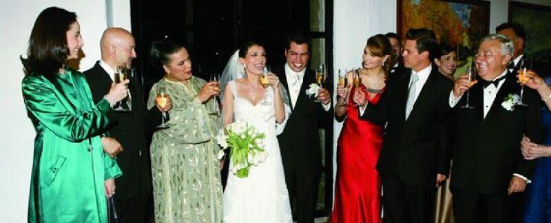 El ex Presidente fue testigo en la boda de la hiija de Emilio Chuayfett, al igual que Enrique Peña Nieto.