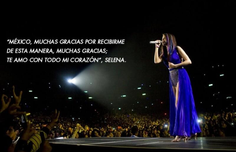 Sin presentar una majestuosa producción la joven cantante, cautivó a los más de 15 mil adolescentes que asistieron al Domo de Cobre para corear sus canciones.