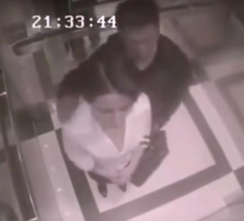 Todo ocurrió en un elevador en el que la cámara de vigilancia grabó toda la escena, desde cómo el hombre inicia a acosar a la mujer y cómo ella lo pone en su lugar.