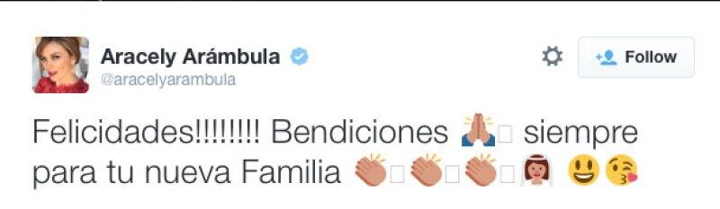 Aracely Arámbula mandó sus bendiciones.