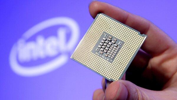 Intel busca cambiar de rumbo su mercado por la caída en las ventas de computadoras personales.