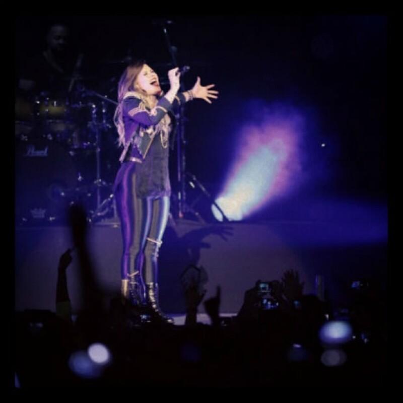 Demi cautivó a chicos y grandes por igual en su concierto en México.