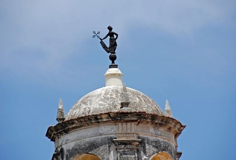 La torre del Castillo de la Real Fuerza en la Plaza de Armas.