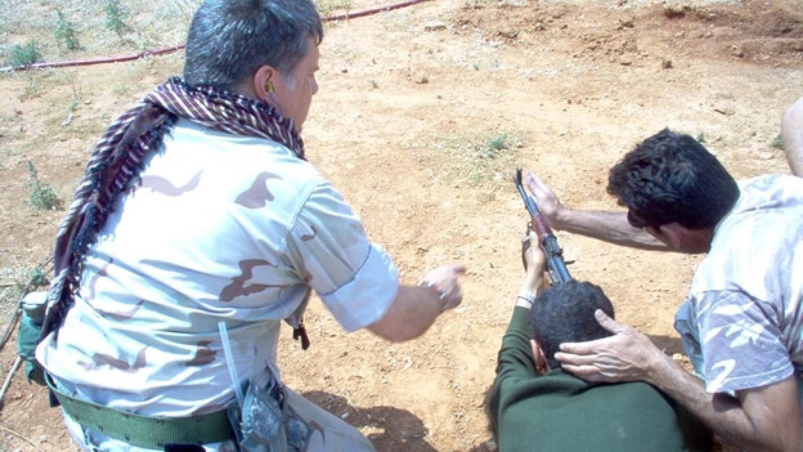 Libia - soldado de EU - entrenando gente
