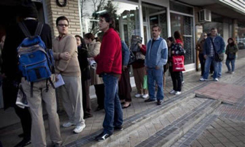 El Gobierno indicó que la cifra confirma el deterioro de la economía española en el segundo semestre de 2011. (Foto: AP)
