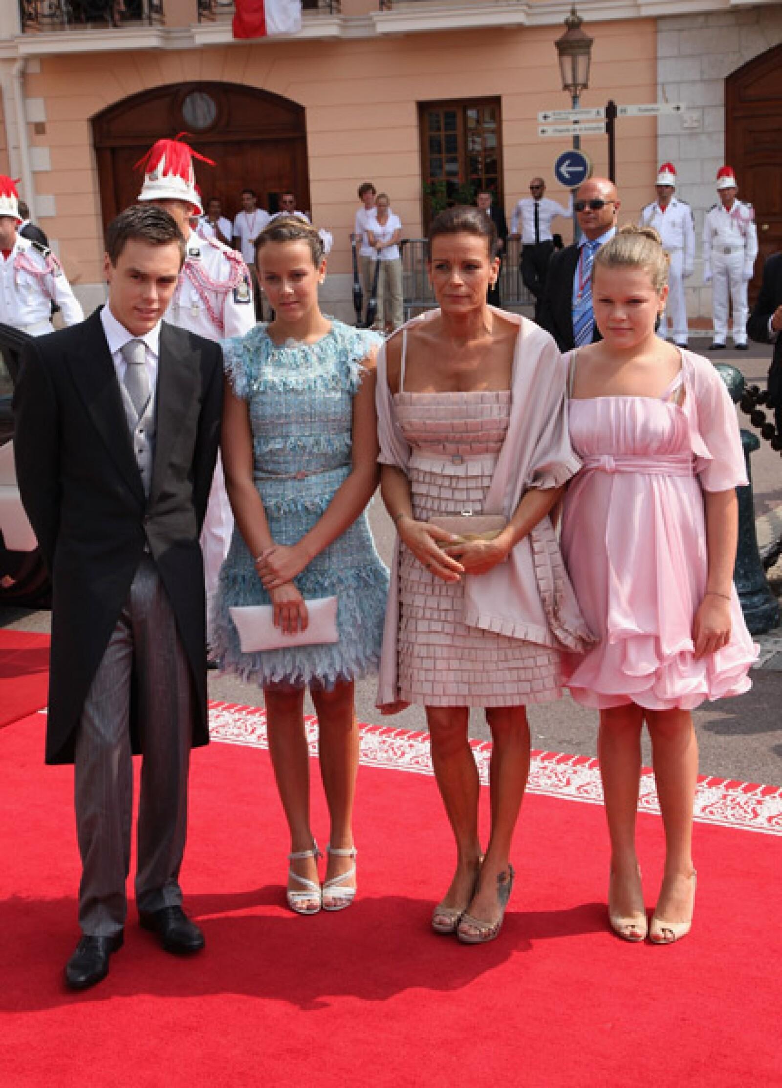 Louis Ducruet, Pauline Ducruet, la princesa Estefanía de Mónaco y Camille Gotlieb.