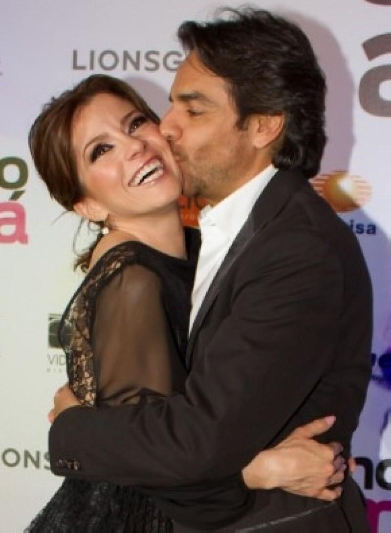 Pese a que la carga de trabajo continúa, la cantante y esposa del comediante Eugenio Derbez, destacó que está haciendo todo lo necesario para quedar embarazada.
