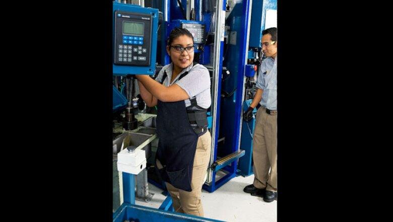 Los equipos tienen sistemas de control de calidad que detectan cualquier anomalía pieza por pieza.