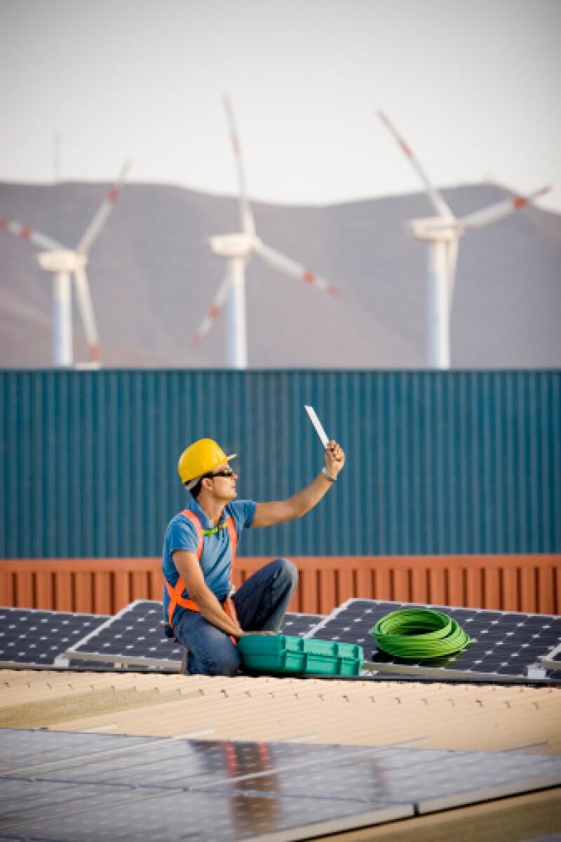 En 2012, el uso de energías renovables para la generación de energía eléctrica representó 20.3% del total a nivel mundial, con una inversión de US$257,000 millones. Fuente: Comisión Reguladora de Energía (CRE) y la Red de Política de Energías Renovables.