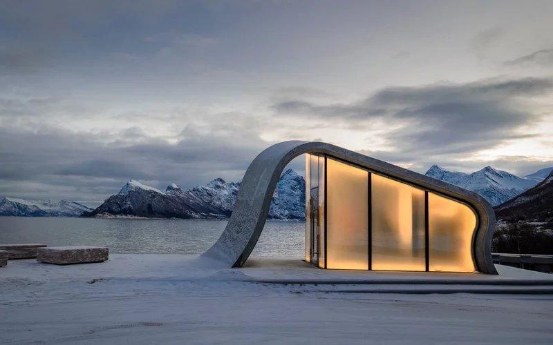 El lujoso baño que está en una carretera de Noruega