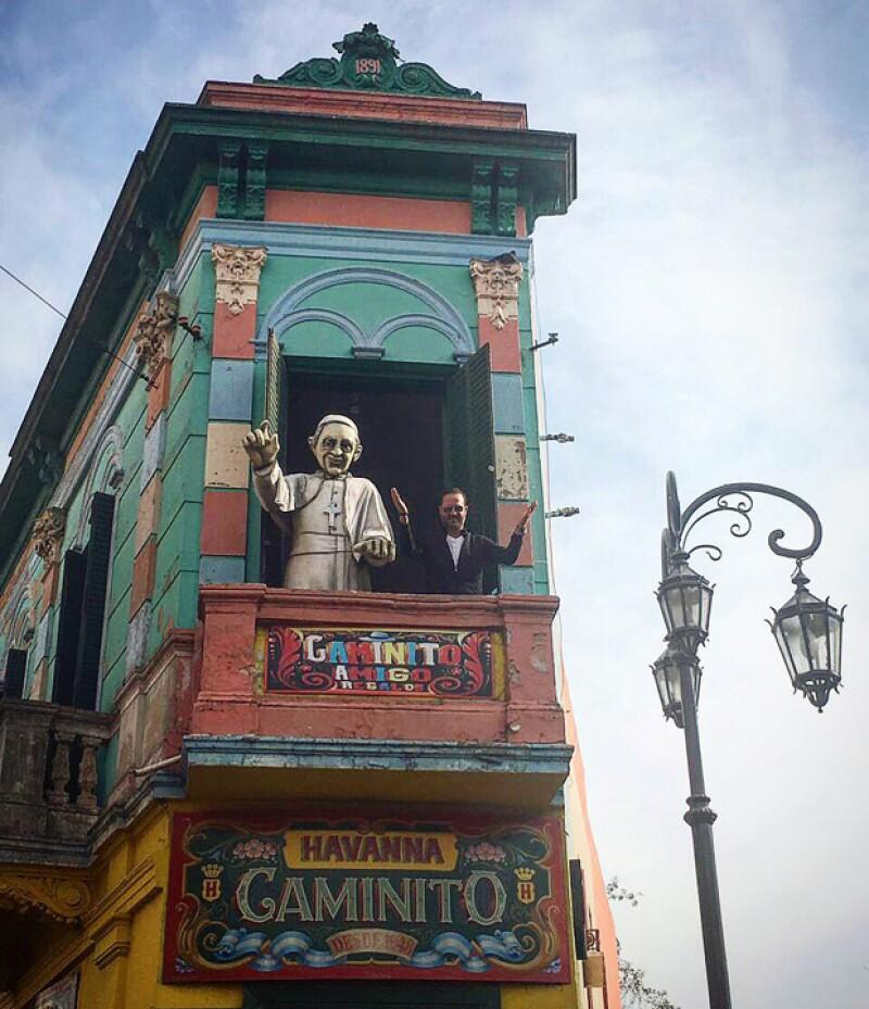 La pareja visitó Caminito en Buenos Aires.