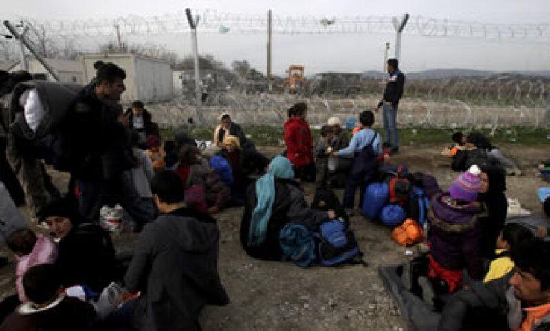 Se cree que nueve de cada 10 refugiados recurren a un traficante para entrar a Europa. (Foto: Reuters)