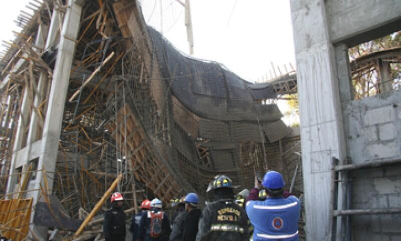 La CFE dijo que colaborará con las autoridades en las investigaciones por el derrumbe. (Foto: Cuartoscuro)