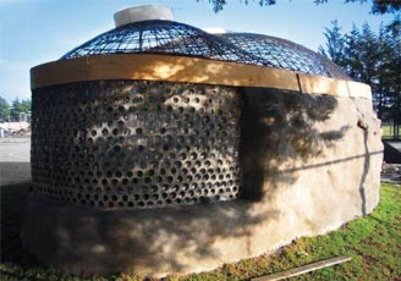 Hace 30 años, Michael Reynolds inició este sistema constructivo en Nuevo México (EU).  (Foto: Cortesía Julio Calva)