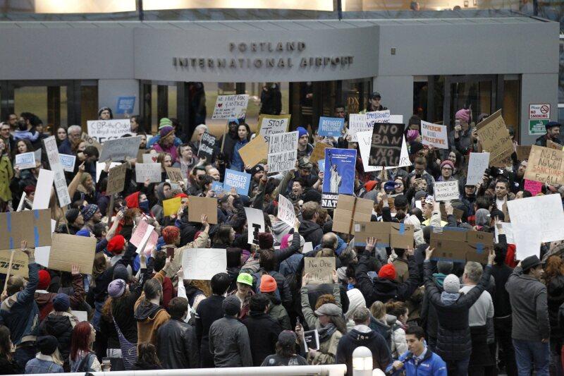 Responsabiliza a protestas