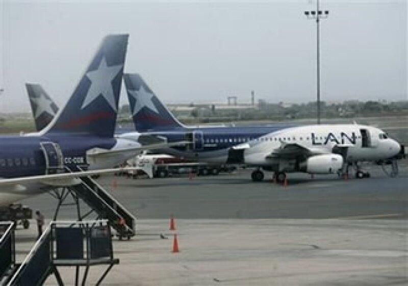 LAN y Aeroméxico realizan vuelos directos entre México y Chile. (Foto: AP)