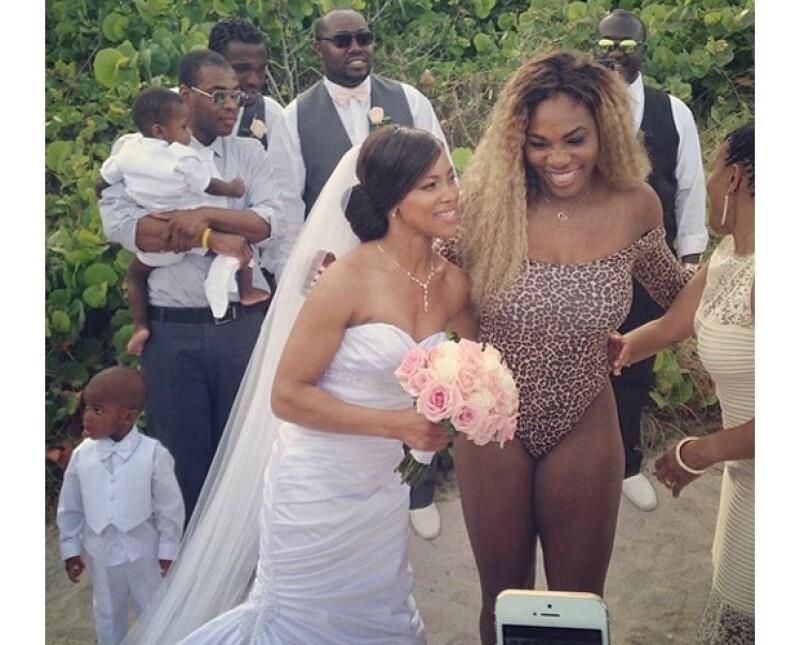 La novia se notaba un poco sorprendida, no se sabe si en el buen o el mal sentido.