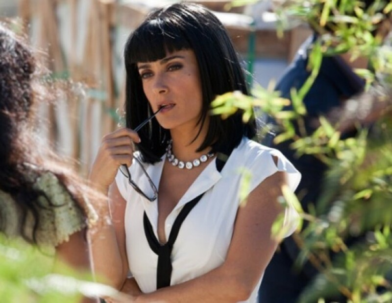 Este fin de semana se estrena en México la cinta dirigida por Oliver Stone, donde actúan Salma Hayek, John Travolta, Blake Lively, Demian Bichir y Sandra Echeverría.
