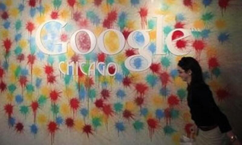 Los ingresos de Google sumaron 8,140 mdd, excluyendo los derechos pagados a sitios web asociados. (Foto: Reuters)