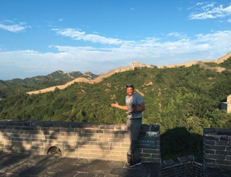 Uno de los lugares turísticos que visitó fue la Gran Muralla China.