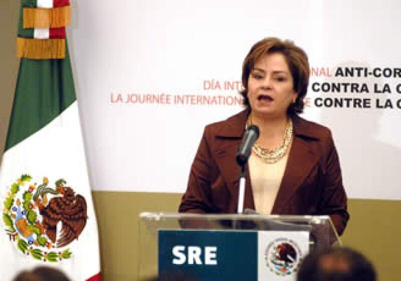 Patricia Espinosa confirmó que el Gobierno de facto impuso condiciones a la salida de Manuel Zelaya. (Foto: Notimex)